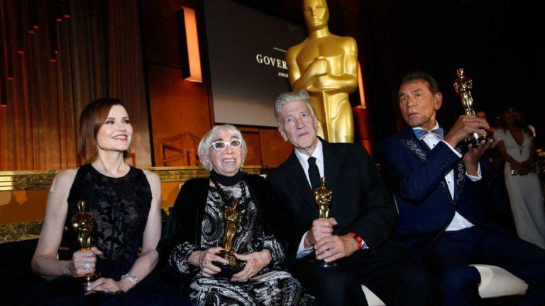 Oscar honoríficos premian lucha por diversidad en el cine