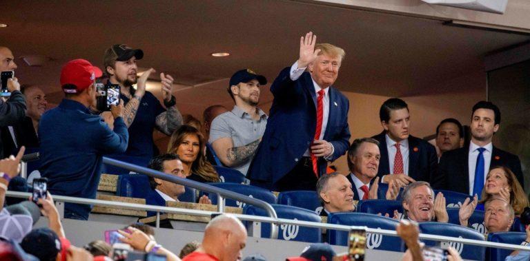 La montaña rusa de Trump: De los elogios a los abucheos