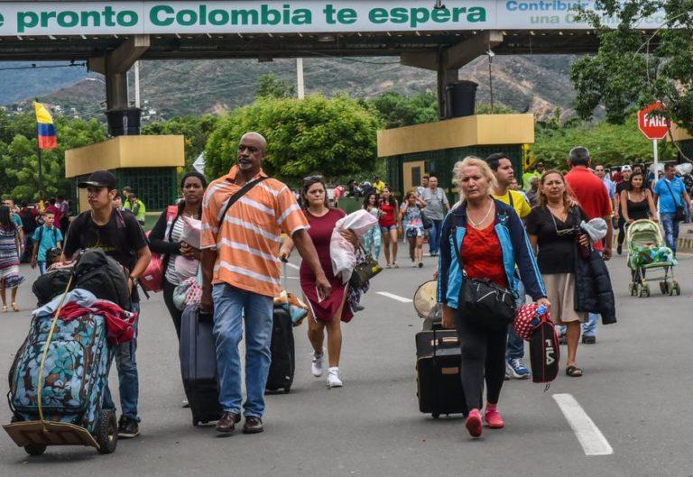 ¡Crisis! Éxodo de venezolanos llegará pronto a 5 millones