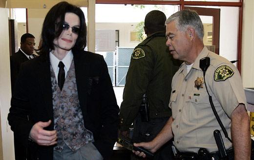¡Abuso sexual!: Podrían desempolvar demandas contra Michael Jackson