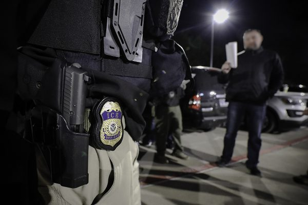 Abruptamente y bajo amenazas ICE detiene a mexicano en California