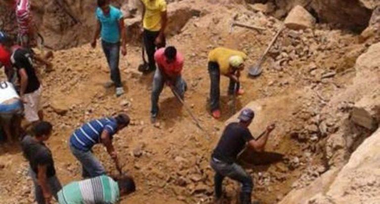 Nicaragua: Rescatan con vida a mineros atrapados en mina de oro