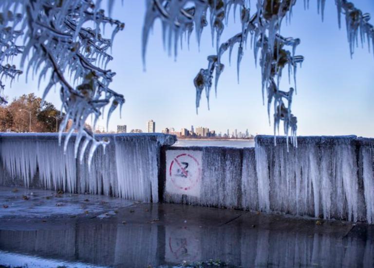 Ola invernal deja varios muertos en EEUU
