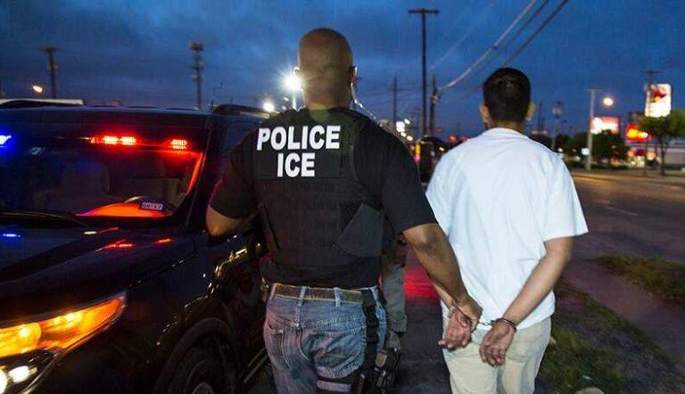 ICE tiene vigilancia y redadas en ciudades santurio