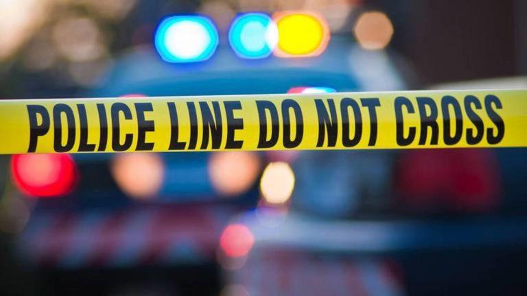 Acusan a una mujer de dispararle a su hija de 2 años