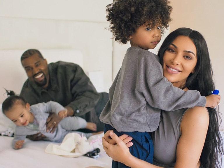 Kim Kardashian confirma y justifica Photoshop en foto familiar