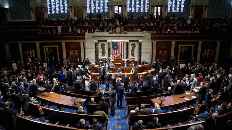 Demócratas publican informe para justificar juicio a Donald Trump