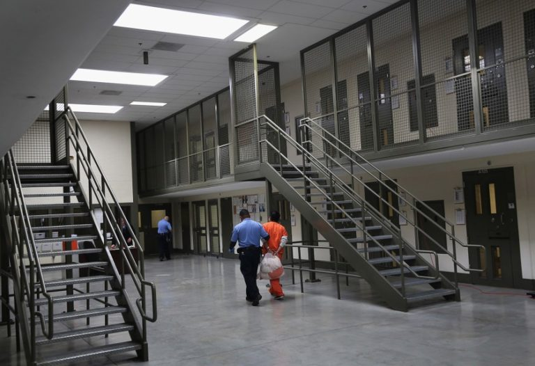 EE.UU: Más de 300 venezolanos que huían del régimen están en prisión migratoria