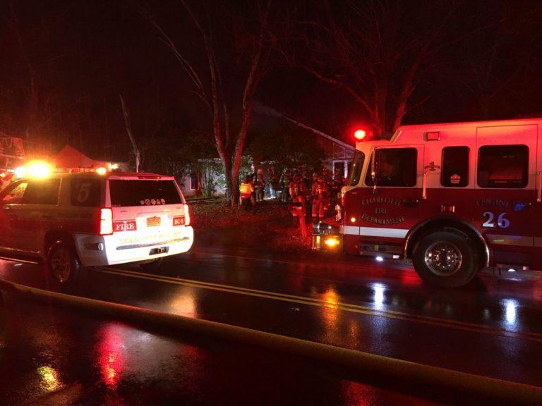 Bomberos controlaron incendio en una casa en Park Road