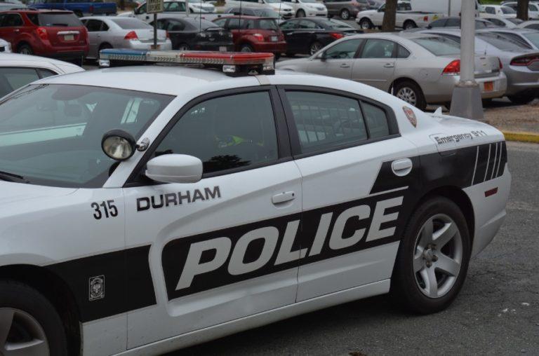 Policía busca a sujeto por robo en panadería de Durham