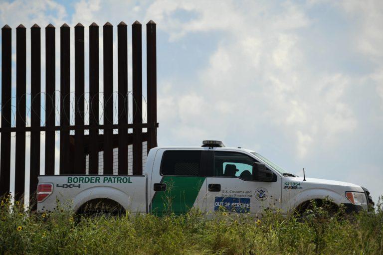 Murió mujer inmigrante bajo custodia federal en Texas