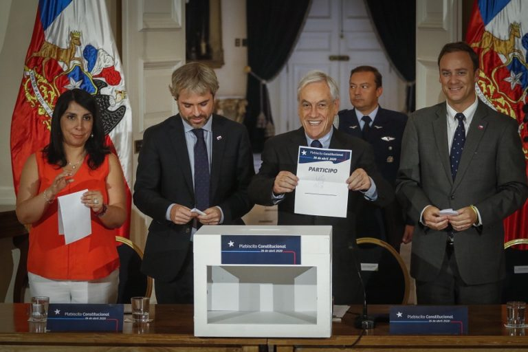 Oficial: Piñera convocó plebiscito constitucional
