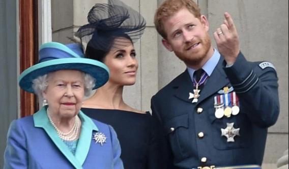 """Isabel II establece """"período de transición"""" para Harry y Meghan"""