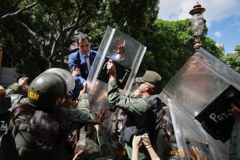 EE.UU felicita a Guaidó por reelección pese a ataque madurista