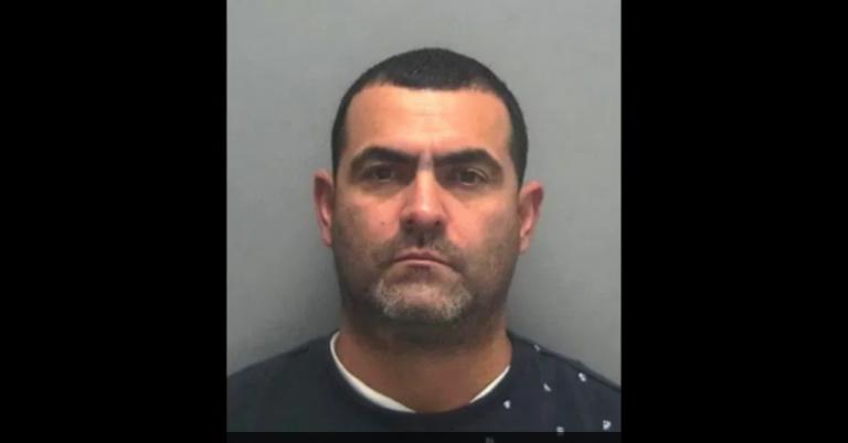 """Sentencian a un """"pollero"""" por contrabandear beisbolistas"""