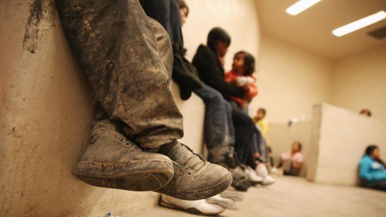 Niña de Guatemala tiene seis meses recluida por el ICE