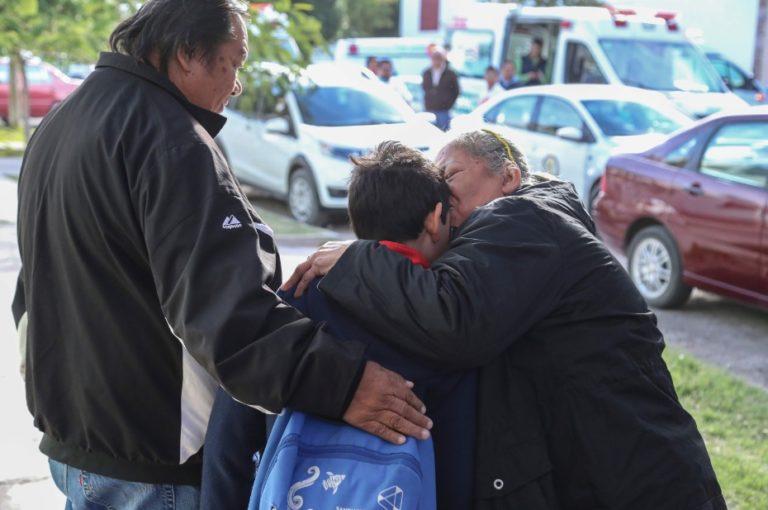 Detenido abuelo de alumno que ejecutó tiroteo en escuela