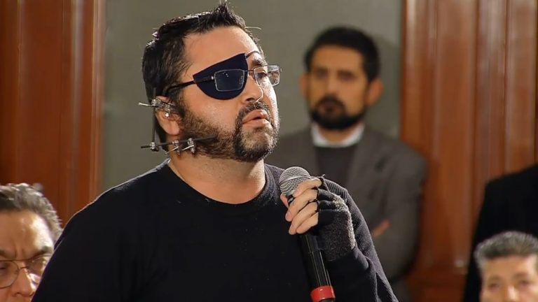 """Periodista confronta a AMLO: """"Nos están matando"""""""