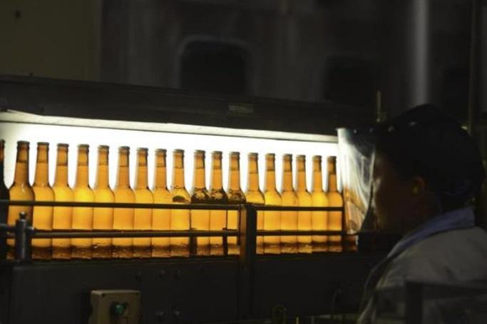 Cerveza baja en ventas y prestigio por COVID-19