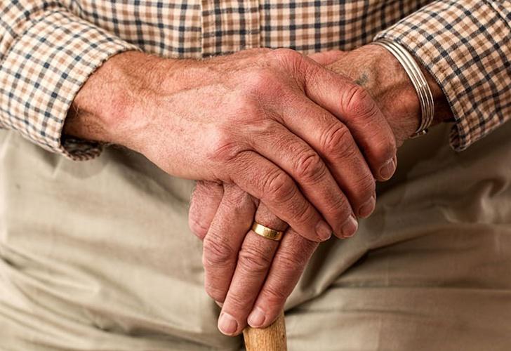 Buscan a desaparecido de 77 años