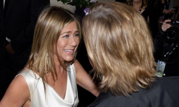 Jennifer Aniston felicitó a Brad Pitt en persona