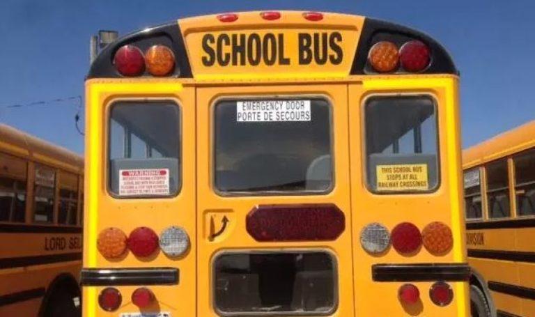 Un lesionado en siniestro que involucró autobús escolar