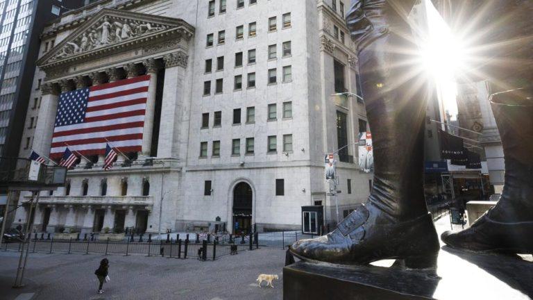 ¡Plan de ayuda! Trump busca mitigar daños sociales y económicos