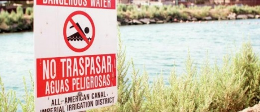 Patrulla fronteriza salva a migrante que se ahogaba