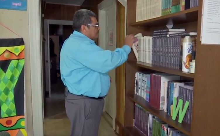 Pastor salvadoreño pide cambio de gobierno en EEUU
