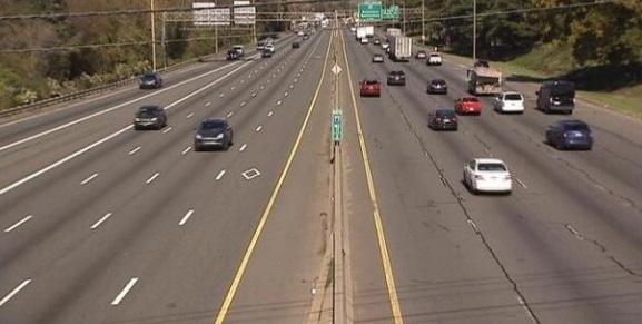 Tráfico lento en I-77 SB en Amity Hill Rd
