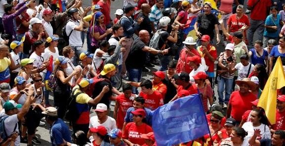 Gobierno y oposición se movilizarán en Caracas