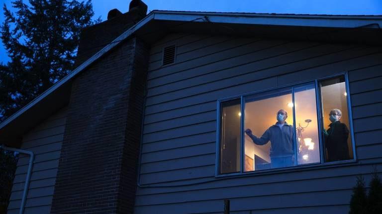 Mecklenburg, NC: Ordenan quedarse en casa hasta el 16A