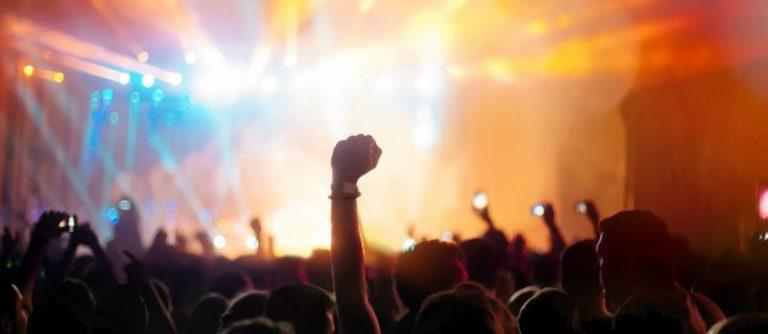 Green Day y Avril Lavigne cancelan conciertos por covid-19