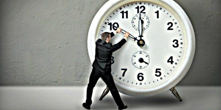No olvides este domingo cambiar la hora de tu reloj