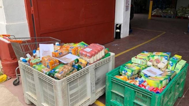 Alimentos para familias necesitadas en Las Carolinas