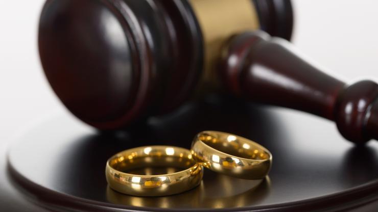 Reanuadan ceremonias de matrimonio en condado de NC