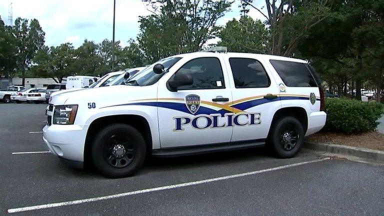 ¡Arrestado! Adolescente con Covid-19 tosió contra policías