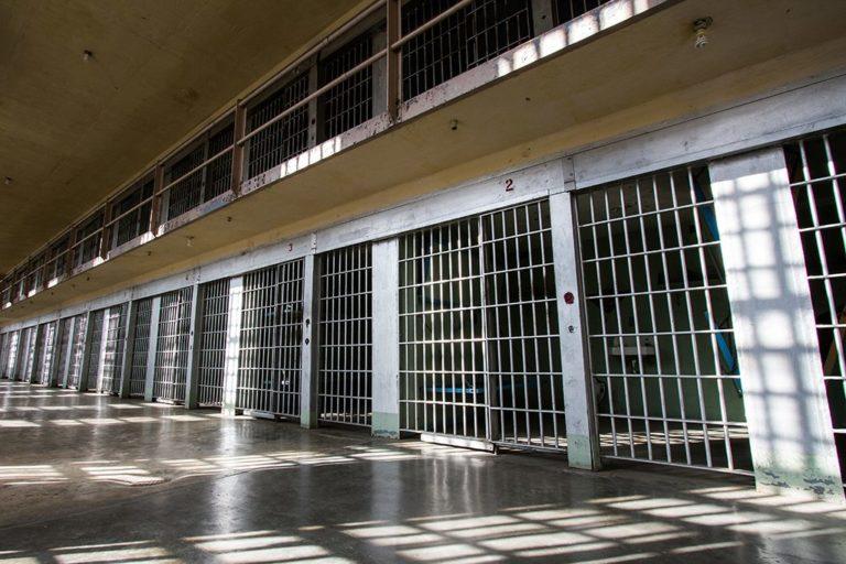 Prisiones en NC aumentan prevención ante COVID-19