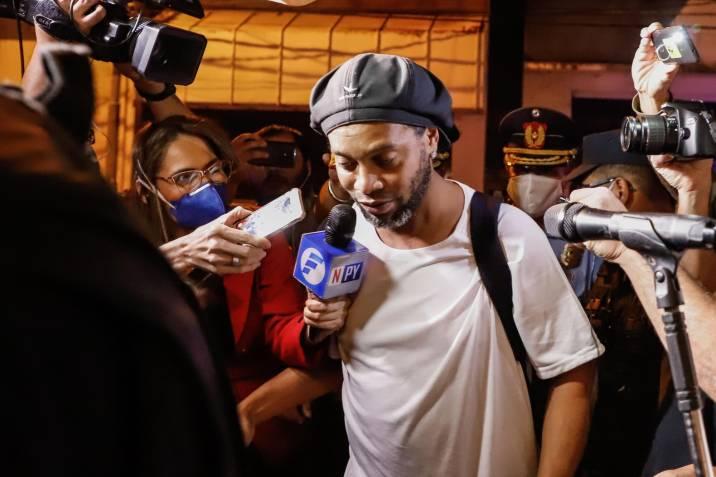 Ronaldinho cambió la cárcel por un lujoso hotel