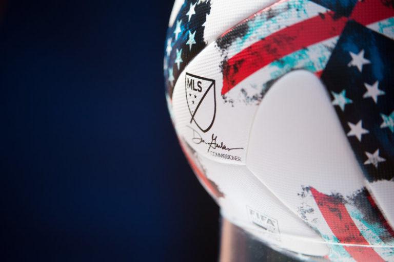 MLS evalúa drásticos recortes salariales