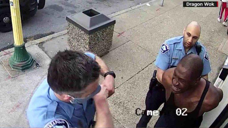 Cuatro policías despedidos por muerte del afroamericano George Floyd