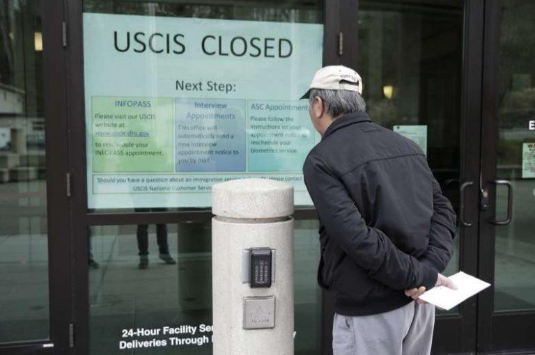 USCIS abrirá oficinas el 4 de junio