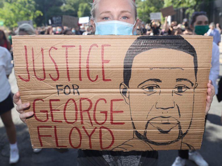 George Floyd era paciente asintomático de Covid-19