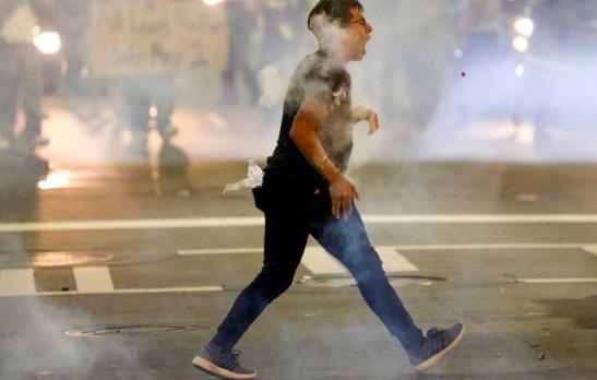 Religiosos de Charlotte protestaron contra la brutalidad policial