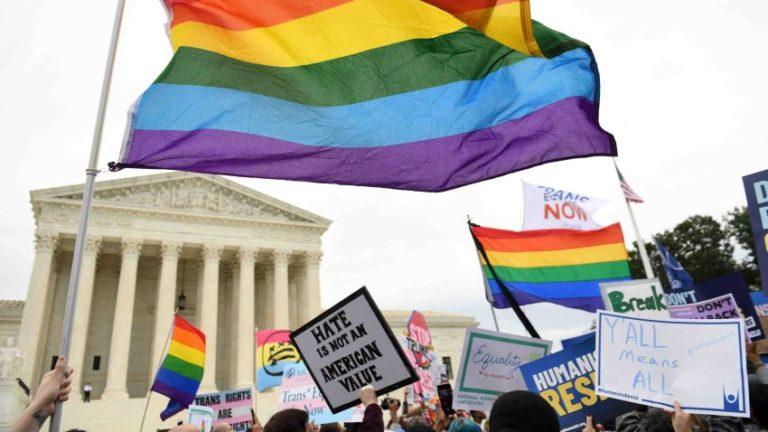 Corte Suprema protege a comunidad LGBT de despidos por orientación sexual