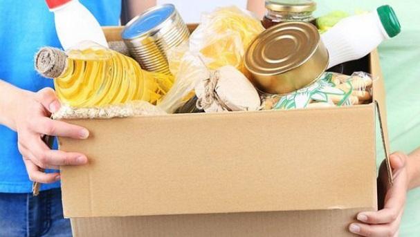 Inmigrante organiza comida para 400 familias en Maryland