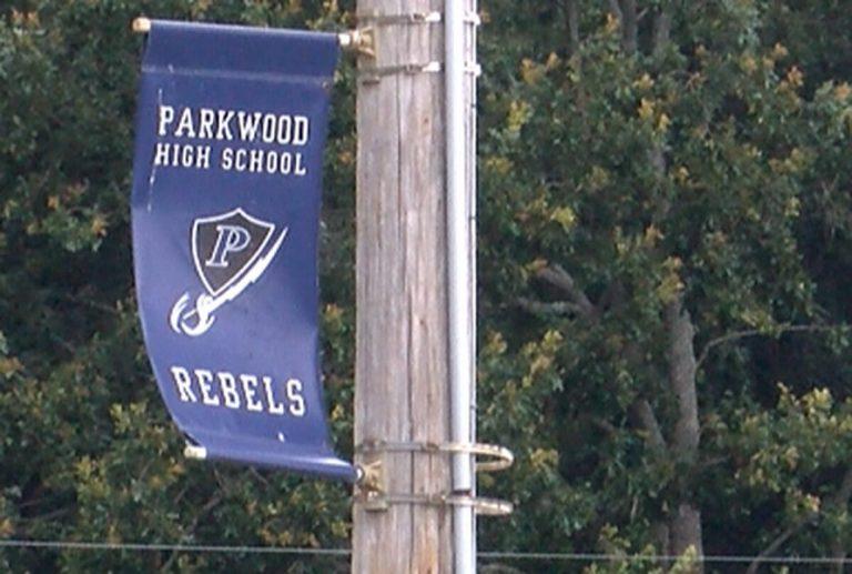 Parkwood High School cambiará controvertido nombre de su mascota