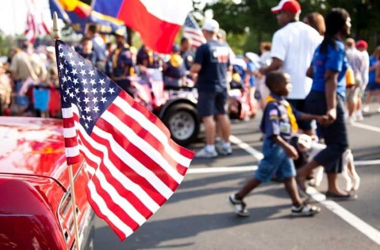 3 de cada 4 estadounidenses creen riesgoso asistir a celebraciones del 4 de Julio