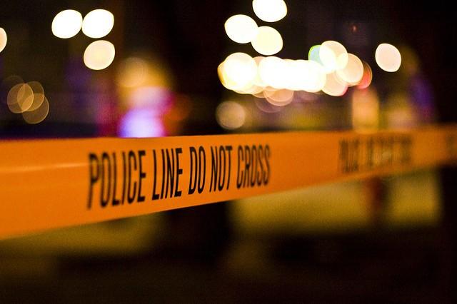 Conductor herido de bala se estrella en SW Charlotte y muere en el hospital