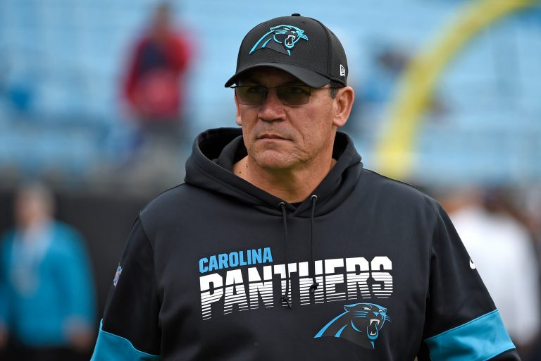El ex entrenador de los Carolina Panthers, Ron Rivera, venció el cáncer